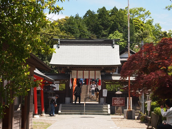 霞神社山門