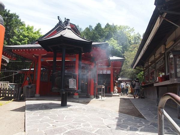 霞神社本殿