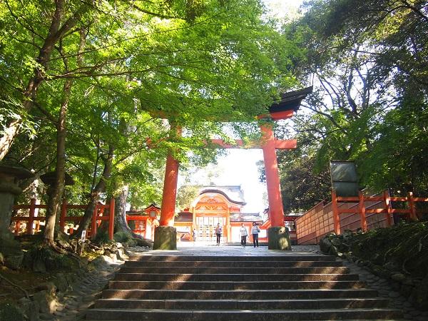 宇佐神宮本殿への鳥居