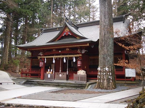 東口本宮浅間神社拝殿