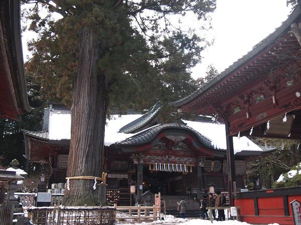 北口本宮浅間神社拝殿2