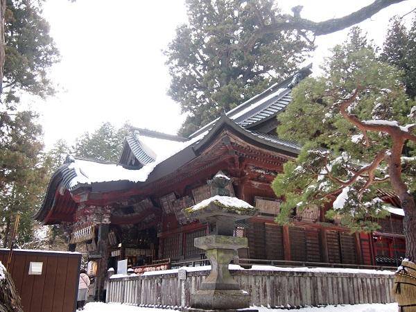 北口本宮浅間神社拝殿1