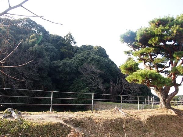 山の辺の道崇神天皇陵