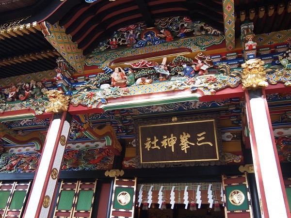 三峰神社拝殿細工1