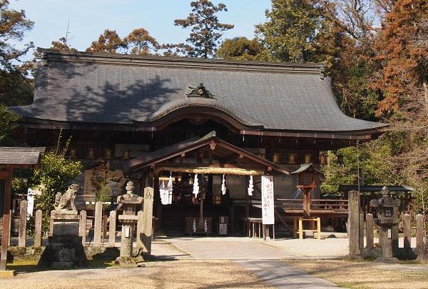 大和神社拝殿5
