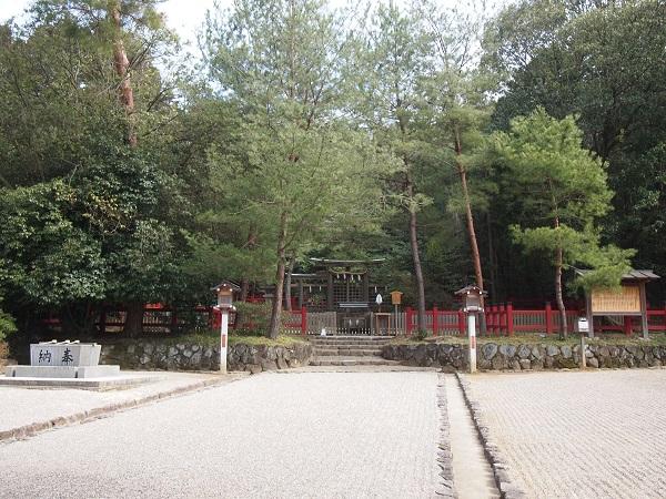 檜原神社境内