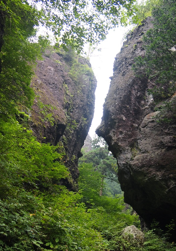 榛名神社 巨石1