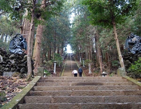 大雄山最乗寺 奥の院への石段