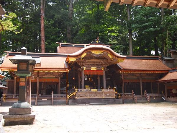諏訪大社拝殿