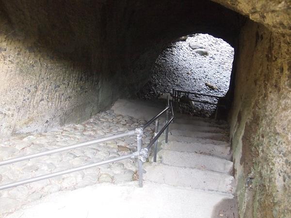 龍宮窟 洞窟入り口