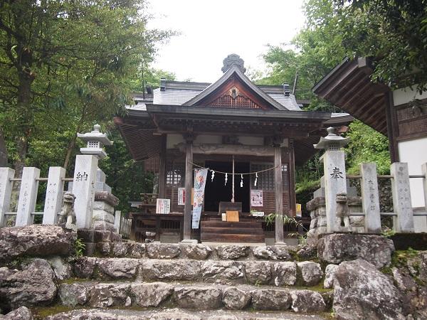 大嶽神社拝殿
