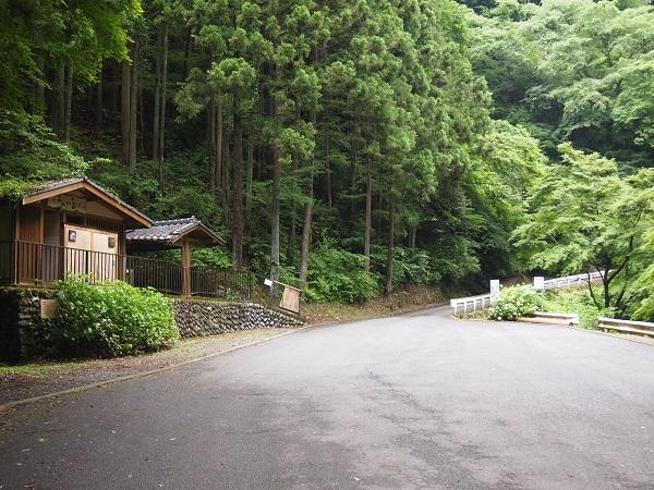 神戸岩駐車場