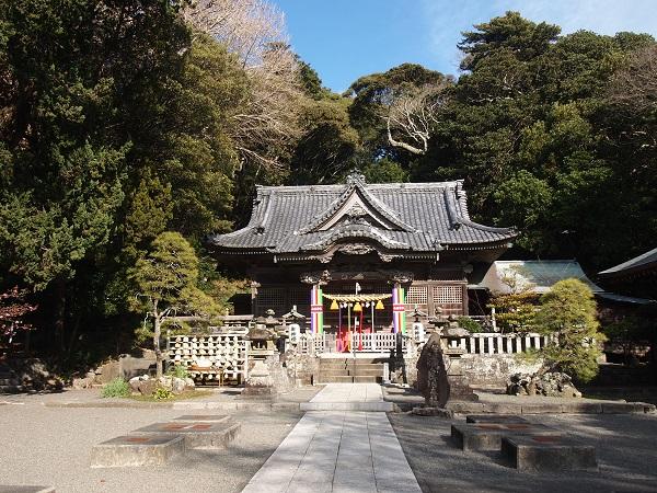 白浜神社拝殿